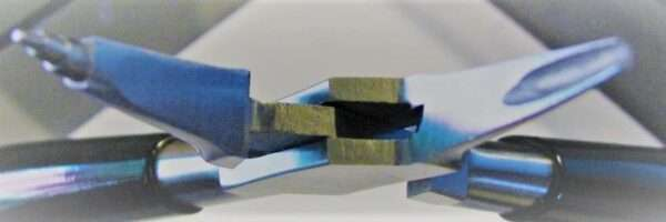 micro 3 stage wire looping plier open jaws closeup.