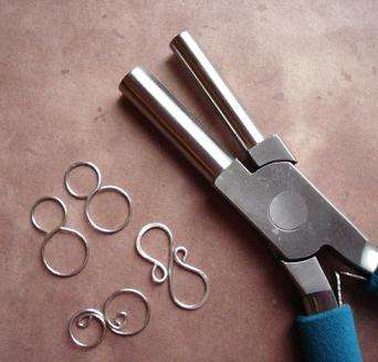 bail forming pliers